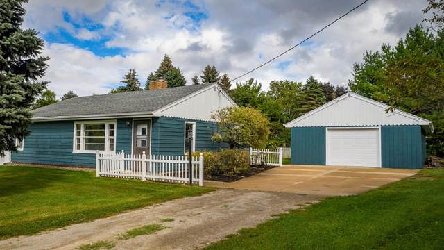 5816 Main Street, Butte Des Morts, WI 54927 (#50248311) :: Symes Realty, LLC