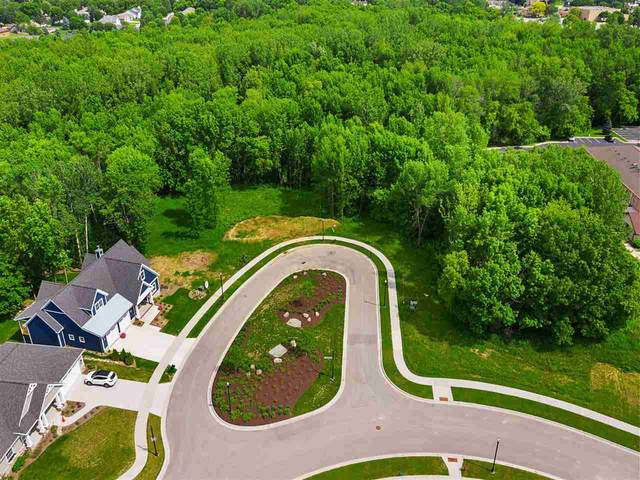 744 Olive Tree Court, Green Bay, WI 54313 (#50248319) :: Todd Wiese Homeselling System, Inc.