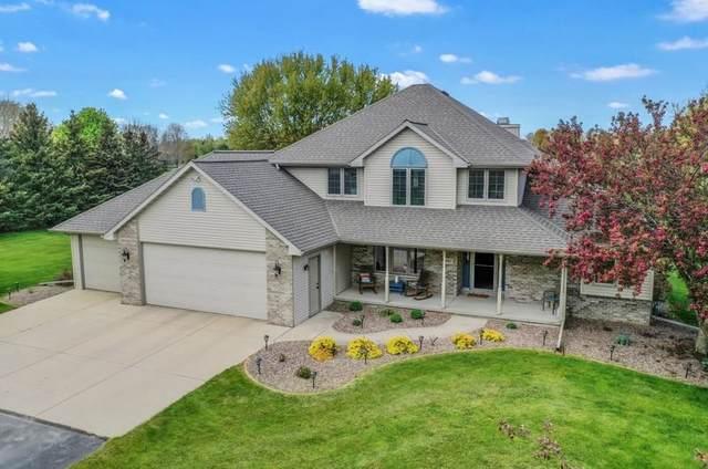 3952 Big Sky Drive, Pulaski, WI 54162 (#50248344) :: Town & Country Real Estate