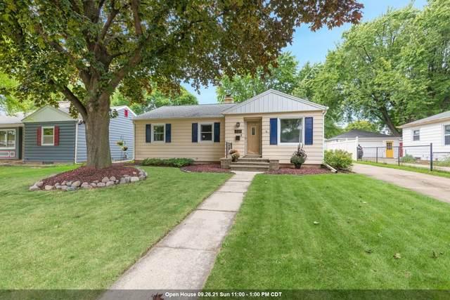 737 Oak Street, Neenah, WI 54956 (#50248345) :: Carolyn Stark Real Estate Team