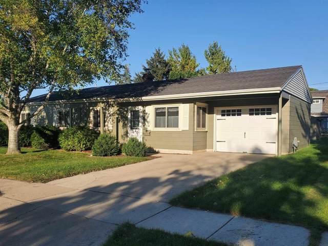 71 S Royal Avenue, Fond Du Lac, WI 54935 (#50248356) :: Symes Realty, LLC