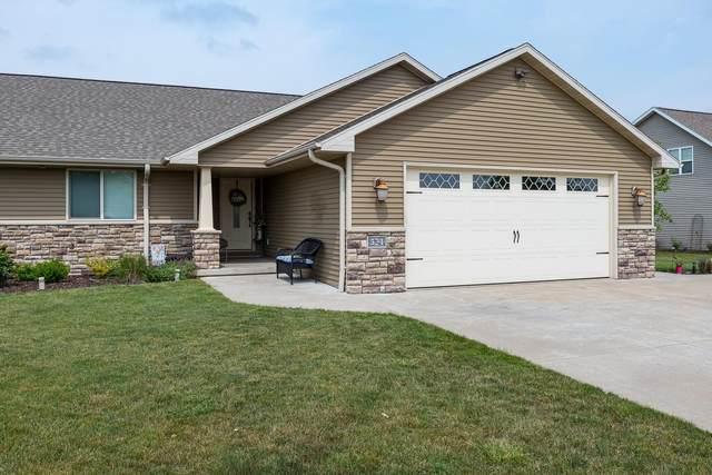 524 Coonen Drive, Combined Locks, WI 54113 (#50248377) :: Ben Bartolazzi Real Estate Inc