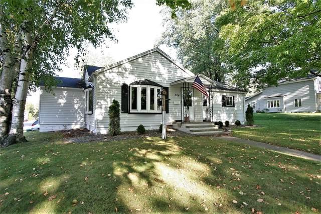 304 S Main Street, Oconto Falls, WI 54154 (#50248398) :: Carolyn Stark Real Estate Team