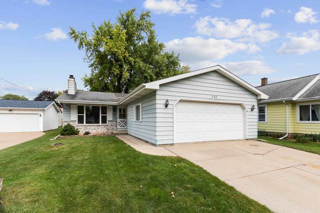 822 W Brewster Street, Appleton, WI 54914 (#50248403) :: Todd Wiese Homeselling System, Inc.