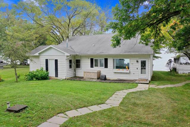 367 Breezy Acres Road, Luxemburg, WI 54217 (#50248413) :: Town & Country Real Estate