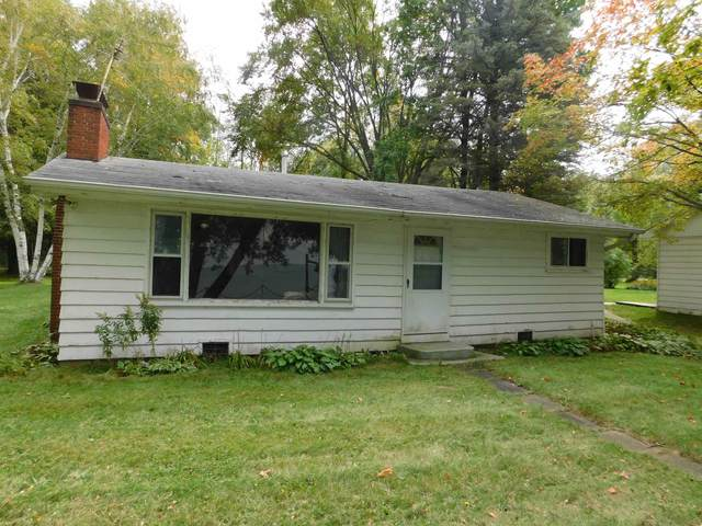371 Breezy Acres Road, Luxemburg, WI 54217 (#50248421) :: Town & Country Real Estate