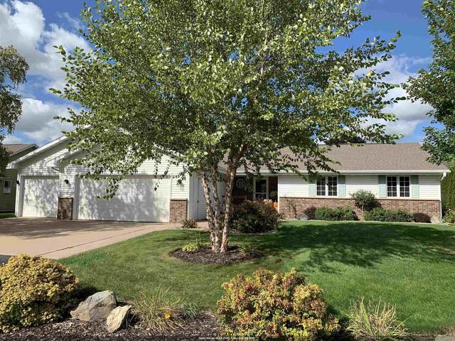 W6076 Golden Court, Appleton, WI 54915 (#50248422) :: Town & Country Real Estate