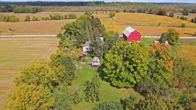 E4601 Rail Road, Ogdensburg, WI 54962 (#50248425) :: Todd Wiese Homeselling System, Inc.