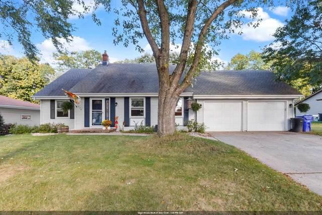 1716 S Sundown Lane, Appleton, WI 54915 (#50248440) :: Carolyn Stark Real Estate Team