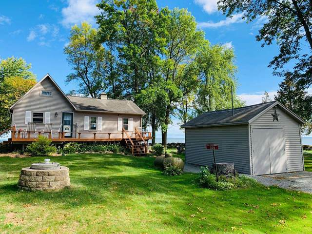 2014 Cottage Road, Little Suamico, WI 54141 (#50248461) :: Town & Country Real Estate