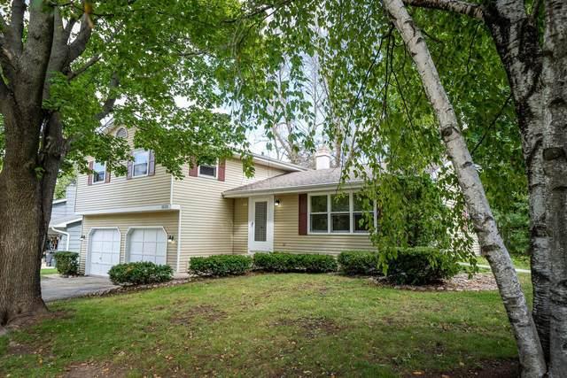 1830 S Westhaven Drive, Oshkosh, WI 54904 (#50248492) :: Carolyn Stark Real Estate Team