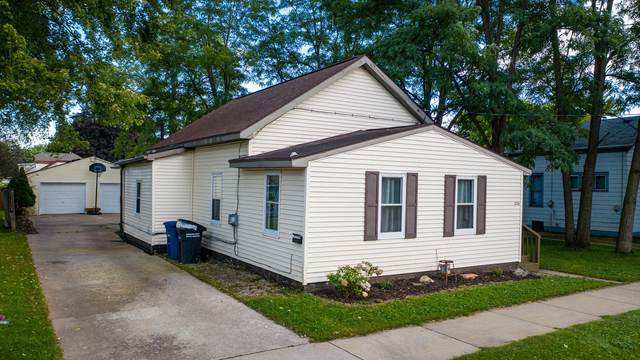 826 Mt Vernon Street, Oshkosh, WI 54901 (#50248497) :: Carolyn Stark Real Estate Team