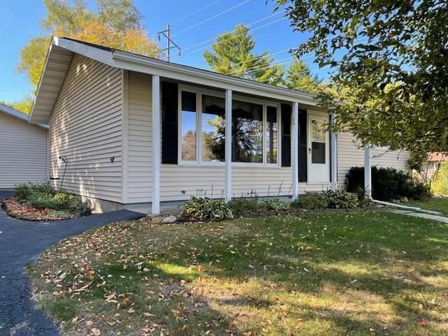 270 Hill Street, Iola, WI 54945 (#50248504) :: Ben Bartolazzi Real Estate Inc