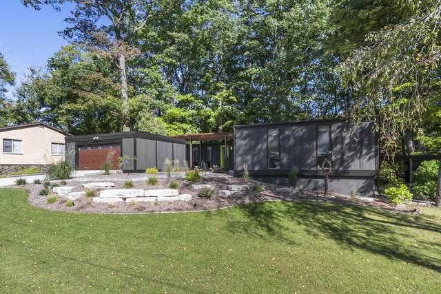 517 Pinehurst Avenue, Green Bay, WI 54302 (#50248505) :: Ben Bartolazzi Real Estate Inc