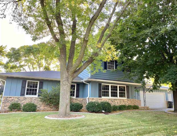 2324 S Clover Lane, Appleton, WI 54915 (#50248539) :: Town & Country Real Estate