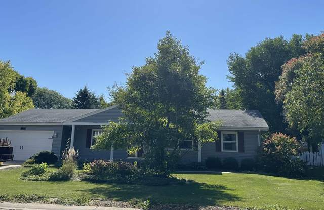 709 Manchester Road, Neenah, WI 54956 (#50248555) :: Town & Country Real Estate