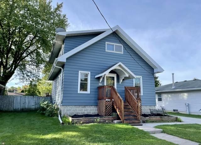 1227 W 9TH Avenue, Oshkosh, WI 54902 (#50248562) :: Town & Country Real Estate