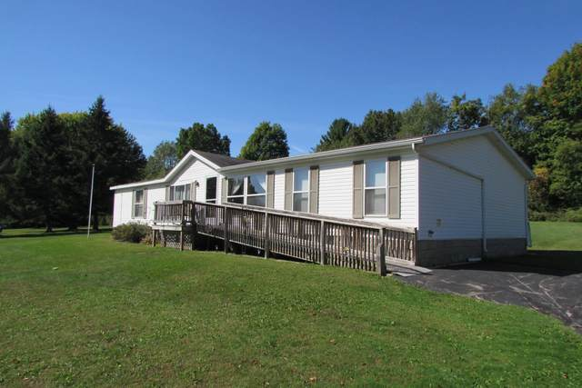 N4891 Madden Road, New London, WI 54961 (#50248565) :: Todd Wiese Homeselling System, Inc.