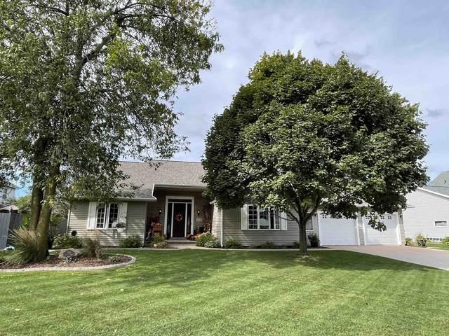 3131 N Whitney Drive, Appleton, WI 54914 (#50248571) :: Carolyn Stark Real Estate Team