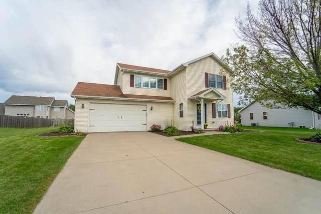 N8938 Willow Lane, Menasha, WI 54952 (#50248572) :: Ben Bartolazzi Real Estate Inc