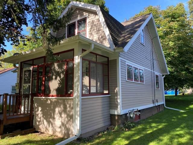 207 N Main Street, Clintonville, WI 54929 (#50248575) :: Carolyn Stark Real Estate Team