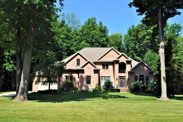 3021 River Forest Hills Drive, Pulaski, WI 54162 (#50248583) :: Ben Bartolazzi Real Estate Inc