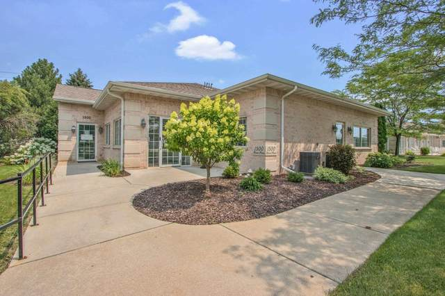 1500 River Pines Drive, Green Bay, WI 54311 (#50248595) :: Todd Wiese Homeselling System, Inc.