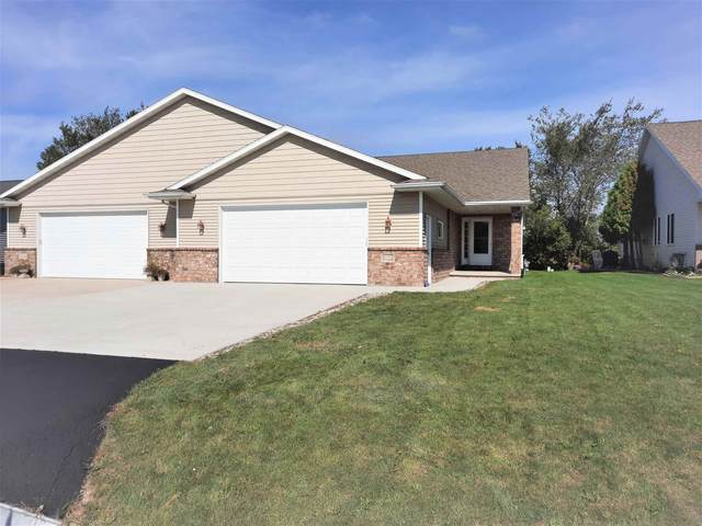5108 W Blue Heron Court, Sherwood, WI 54169 (#50248664) :: Todd Wiese Homeselling System, Inc.