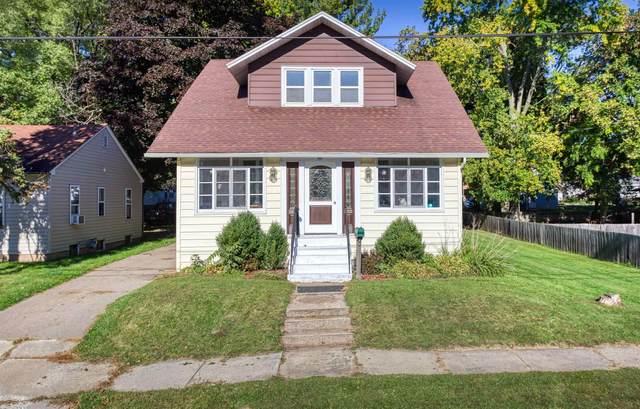 95 Garfield Avenue, Clintonville, WI 54929 (#50248777) :: Carolyn Stark Real Estate Team