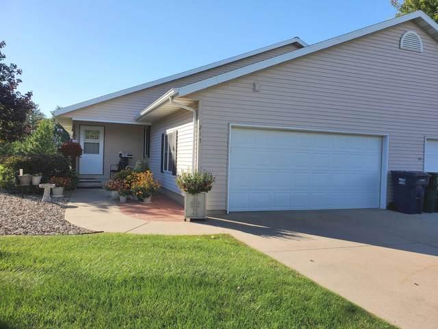 217 Prairie View Court B, Waupaca, WI 54981 (#50248920) :: Carolyn Stark Real Estate Team