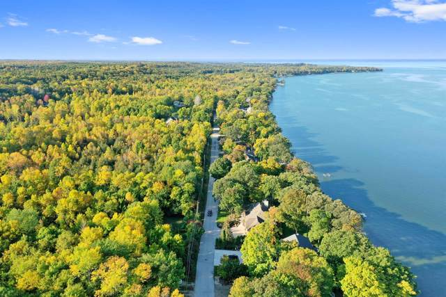 Edgewater Beach Road, Green Bay, WI 54311 (#50248959) :: Todd Wiese Homeselling System, Inc.
