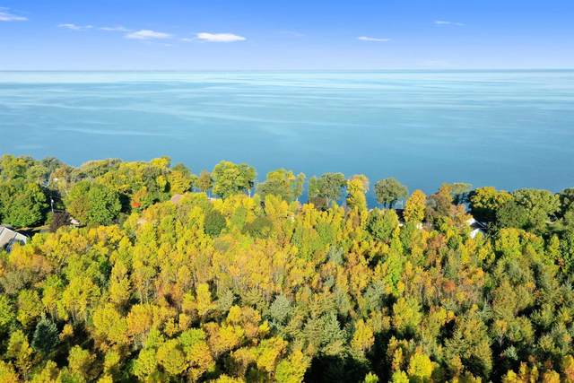 Edgewater Beach Road, Green Bay, WI 54311 (#50248962) :: Todd Wiese Homeselling System, Inc.