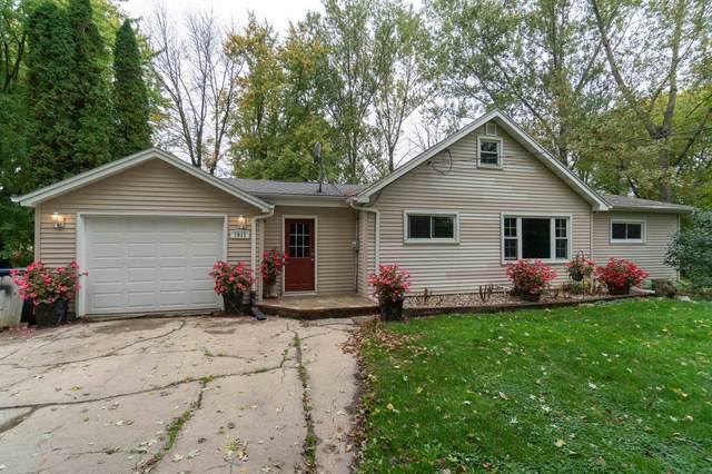 1911 N Olde Casaloma Drive, Appleton, WI 54913 (#50249092) :: Symes Realty, LLC
