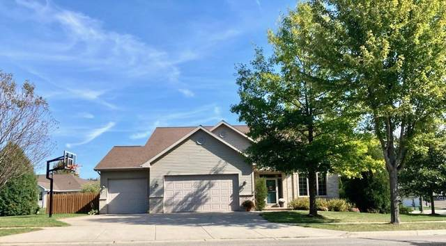 591 Cornrow Lane, Combined Locks, WI 54113 (#50249255) :: Todd Wiese Homeselling System, Inc.
