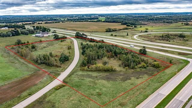Runway Drive, Waupaca, WI 54981 (#50249358) :: Todd Wiese Homeselling System, Inc.