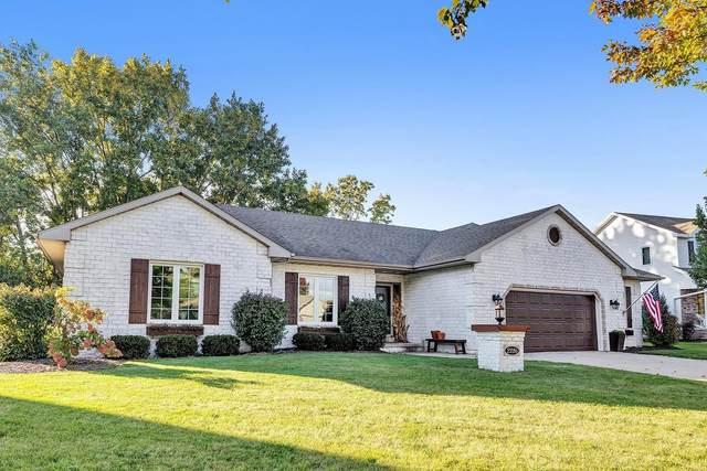 2286 Hopf Lane, De Pere, WI 54115 (#50249382) :: Todd Wiese Homeselling System, Inc.