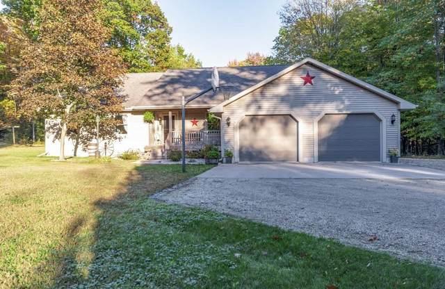 N1960 River Drive, Menominee, MI 49858 (#50249395) :: Todd Wiese Homeselling System, Inc.