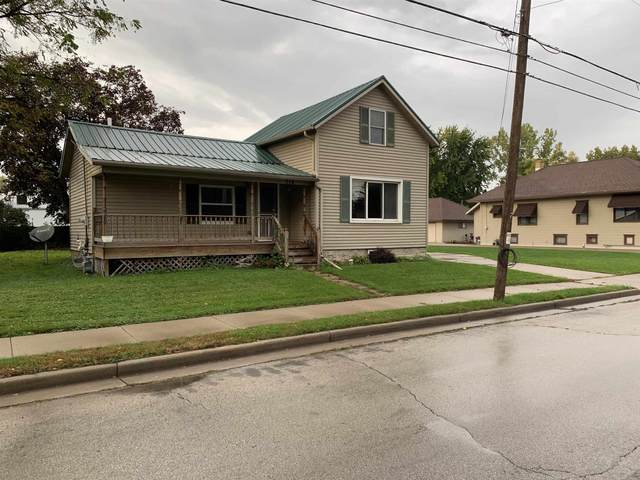 718 Main Street, Wrightstown, WI 54180 (#50249512) :: Dallaire Realty