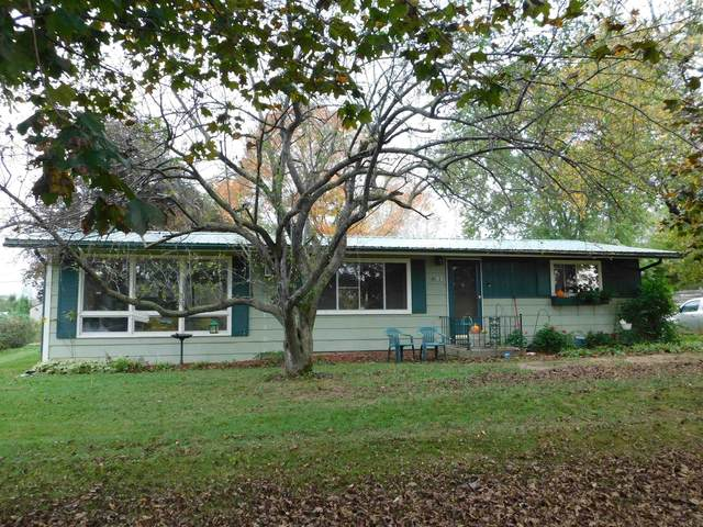 N5683 Lakeview Drive, Green Lake, WI 54941 (#50249571) :: Todd Wiese Homeselling System, Inc.