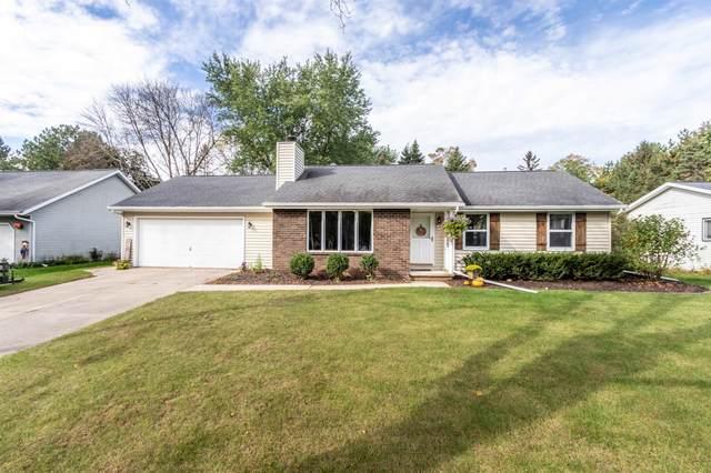 700 Green Ridge Drive, Green Bay, WI 54313 (#50249688) :: Town & Country Real Estate