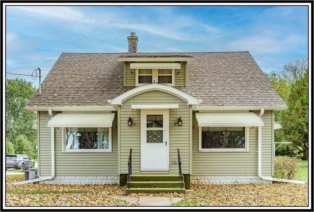 202 Grove Street, Manawa, WI 54949 (#50249702) :: Carolyn Stark Real Estate Team