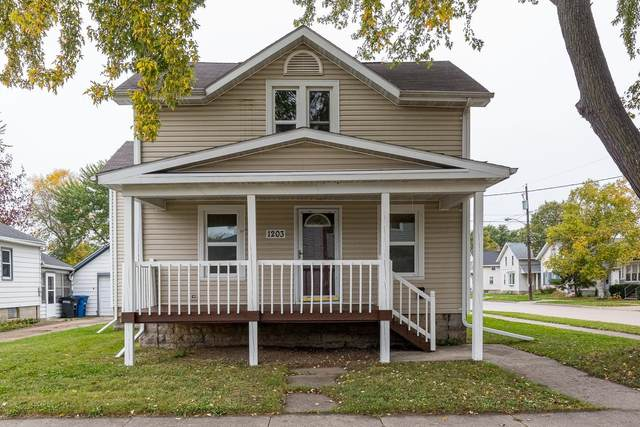 1203 Minnesota Street, Oshkosh, WI 54902 (#50249804) :: Todd Wiese Homeselling System, Inc.