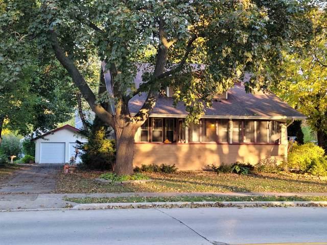 1102 Bowen Street, Oshkosh, WI 54901 (#50249822) :: Todd Wiese Homeselling System, Inc.