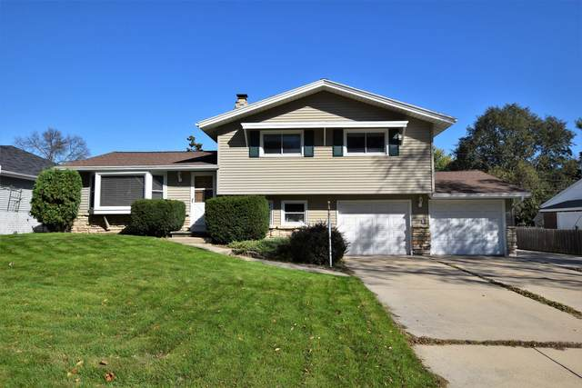 325 Vande Hei Road, Green Bay, WI 54301 (#50249858) :: Todd Wiese Homeselling System, Inc.