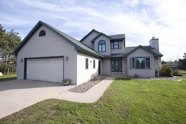 E5970 Sunset Court, Weyauwega, WI 54983 (#50249885) :: Todd Wiese Homeselling System, Inc.