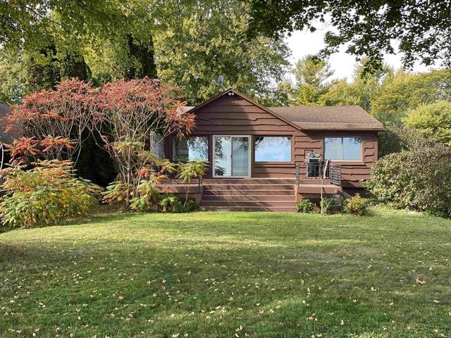 816 Bayview Road, Neenah, WI 54956 (#50249900) :: Todd Wiese Homeselling System, Inc.