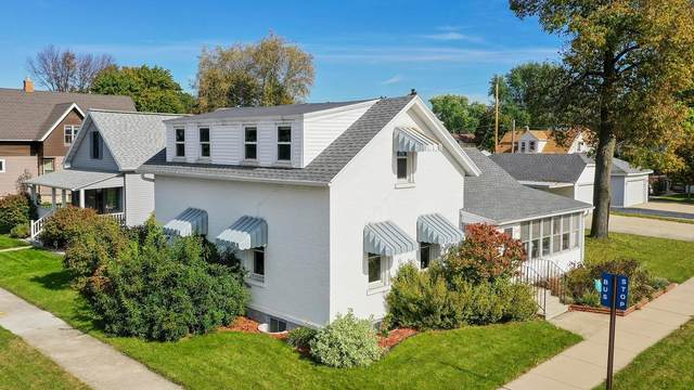 1003 George Street, De Pere, WI 54115 (#50249963) :: Todd Wiese Homeselling System, Inc.
