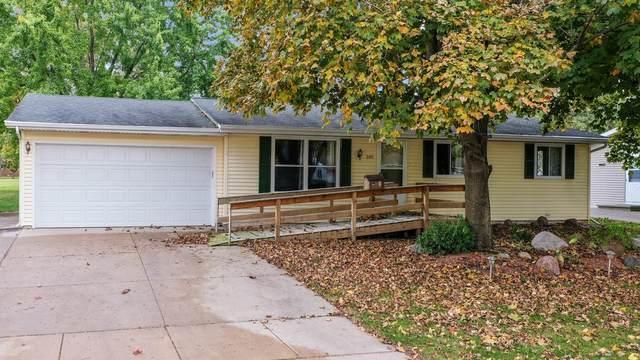 205 Fairway Street, Combined Locks, WI 54113 (#50249970) :: Todd Wiese Homeselling System, Inc.
