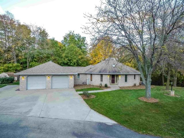 110 Wulgaert Way, Combined Locks, WI 54113 (#50250008) :: Dallaire Realty