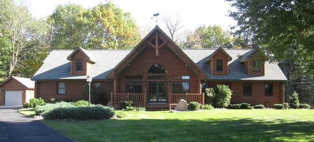 2445 Scenic Ridge Court, Green Bay, WI 54313 (#50250009) :: Todd Wiese Homeselling System, Inc.